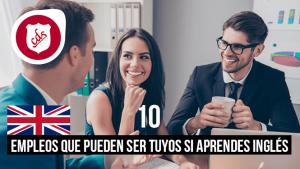 tres empleados hablando en idioma inglés